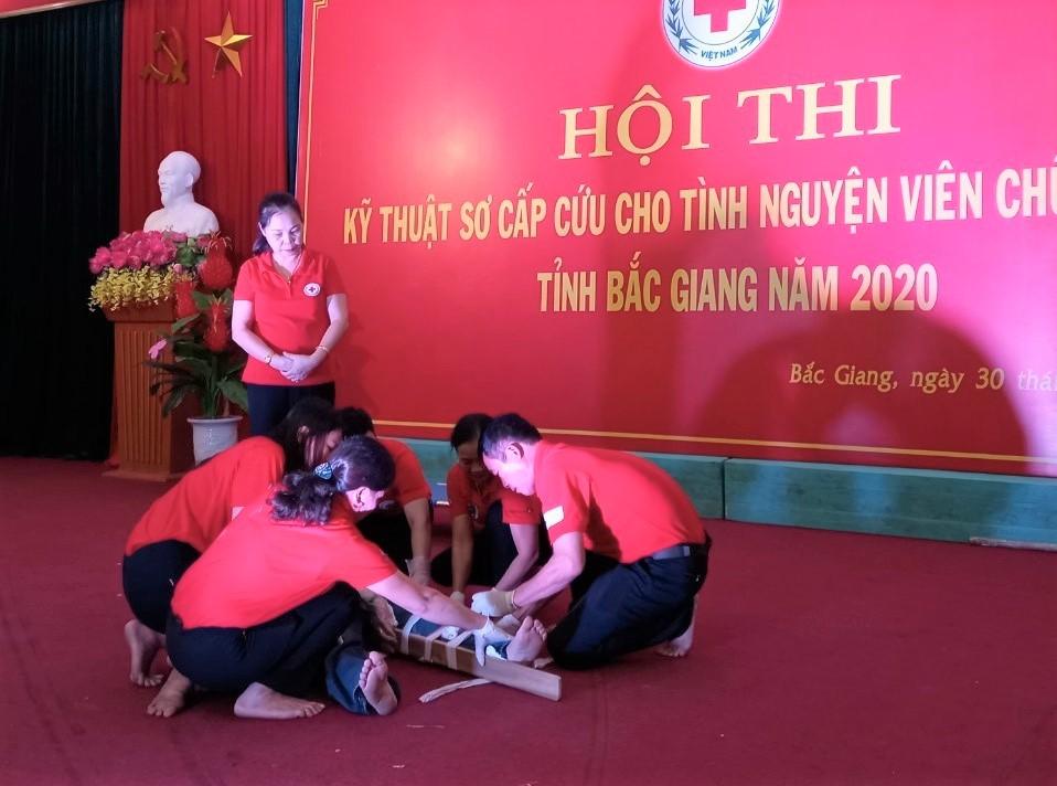Đội Việt Yên giành giải Nhất hội thi kỹ thuật sơ cấp cứu