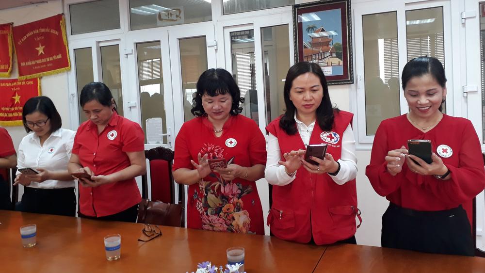 Hội Chữ thập đỏ tỉnh tiếp nhận hơn 3,7 tỷ đồng tiền và hàng ủng hộ miền Trung