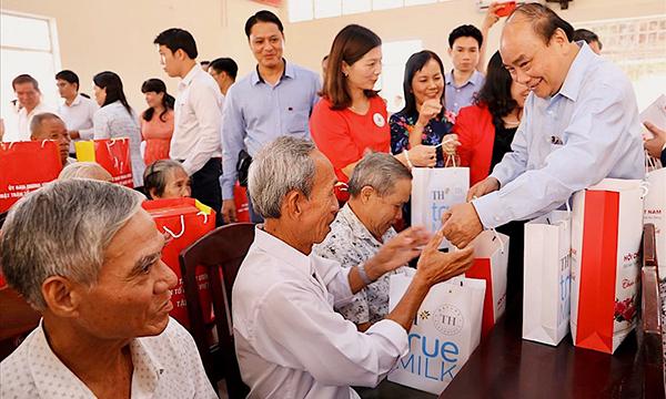 """Phát động Phong trào """"Tết vì người nghèo và nạn nhân chất độc da cam"""" Xuân Tân Sửu 2021"""